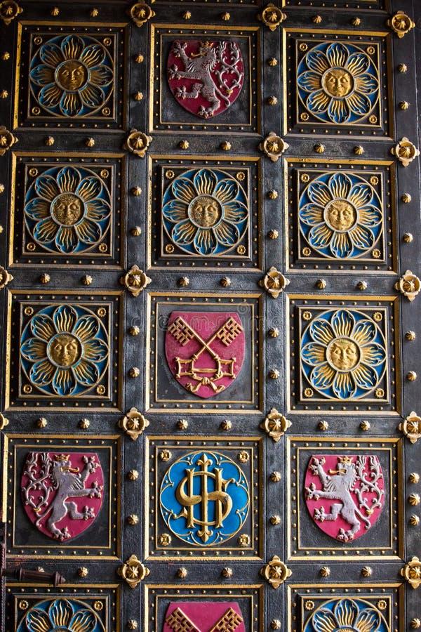 A igreja Capitular de St Peter & de Paul, Praga foto de stock