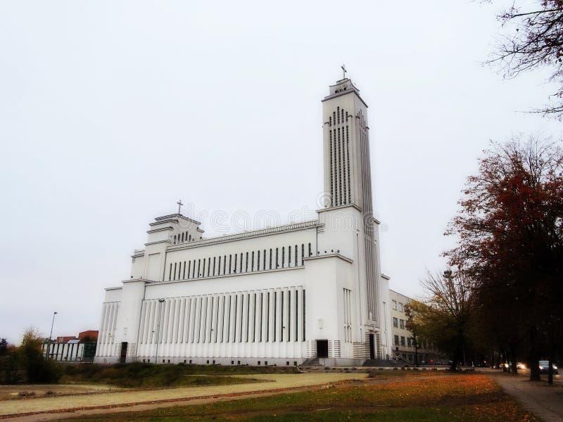 Igreja Católica branca, Lituânia fotos de stock