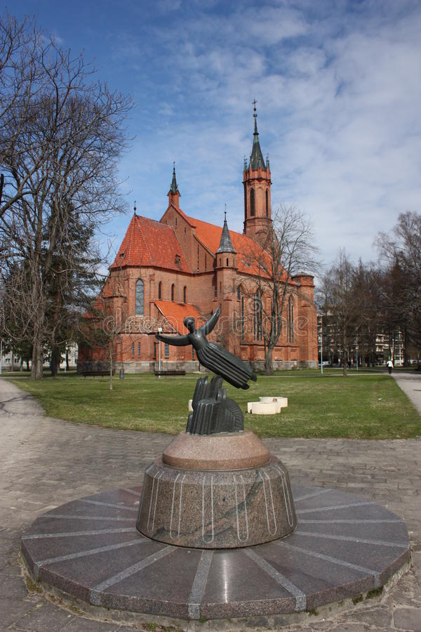 Igreja católica e escultura. fotos de stock royalty free