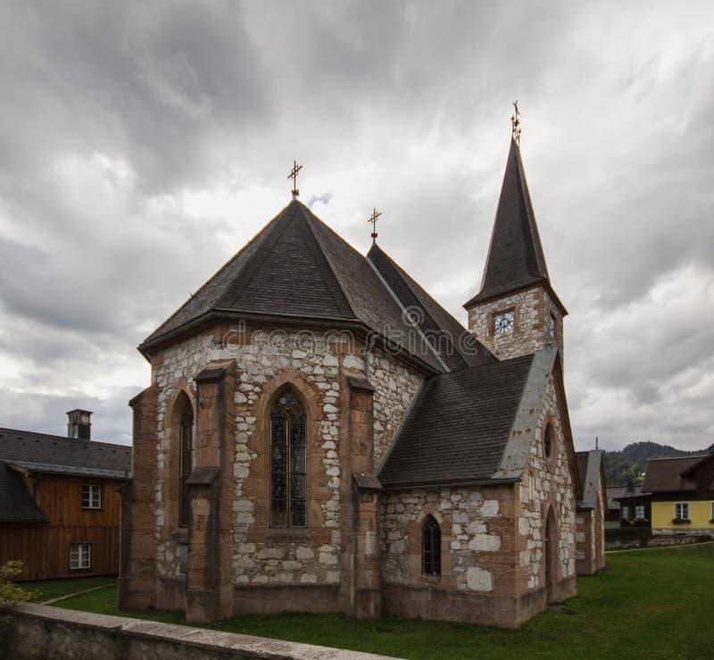 A igreja Católica em Altaussee, Áustria imagens de stock royalty free