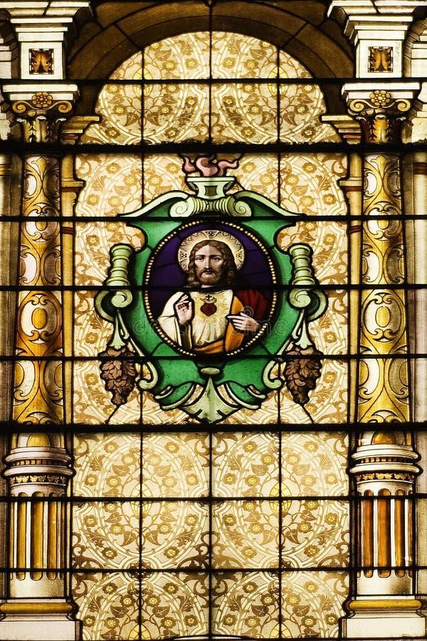 Igreja católica Windows manchado fotos de stock