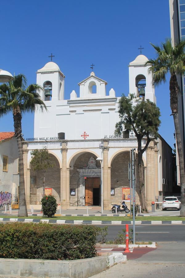 Igreja Cat?lica em Limassol, Chipre foto de stock royalty free