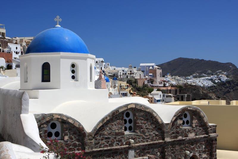 Download Igreja com abóbada azul foto de stock. Imagem de cruz - 16863840