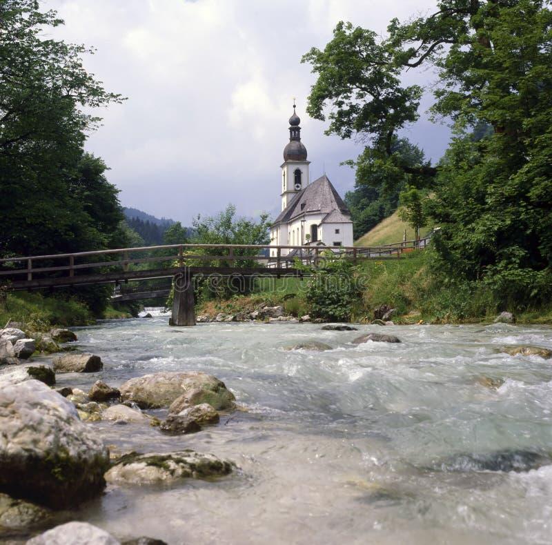 Igreja com ponte fotos de stock royalty free