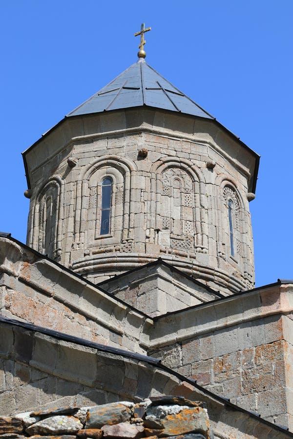 Igreja cristã velha de Stepantsminda em Geórgia fotografia de stock royalty free