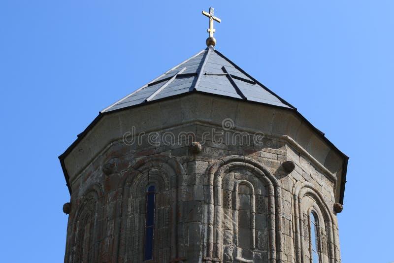 Igreja cristã velha de Stepantsminda em Geórgia imagens de stock royalty free