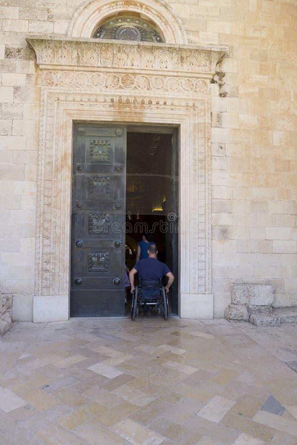 Igreja da cadeira de rodas imagem de stock