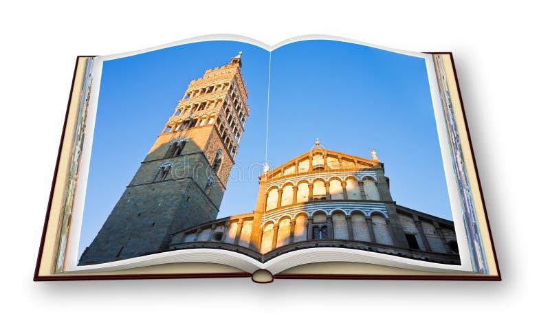 A igreja da catedral de Zeno de Saint na cidade de Pistoia no por do sol Toscânia - Itália - 3D rende de um livro aberto da foto  fotografia de stock royalty free