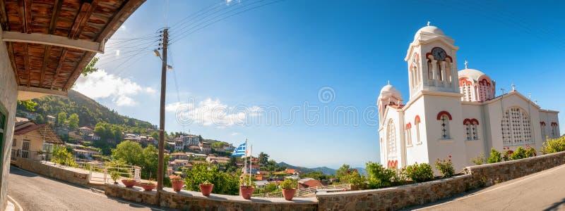 Igreja da cruz santamente, vila de Pedoulas chipre imagens de stock