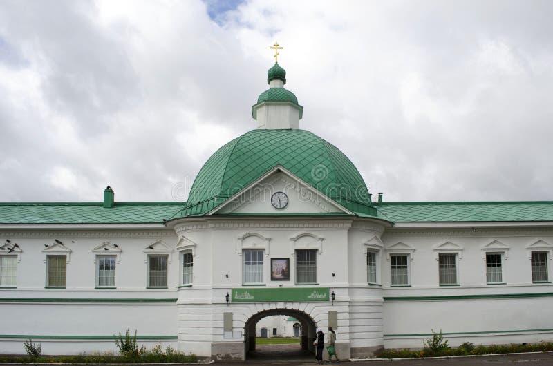 Igreja da porta de São Nicolau a região Rússia de Leninegrado do monastério de Wonderworker Alexander-Svirsky fotos de stock