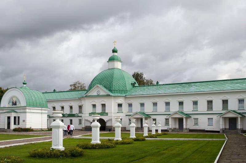 Igreja da porta de São Nicolau a região Rússia de Leninegrado do monastério de Wonderworker Alexander-Svirsky imagens de stock royalty free