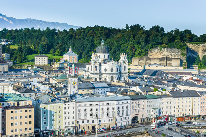 Igreja da universidade (Kollegienkirche) em Salzburg, Áustria foto de stock