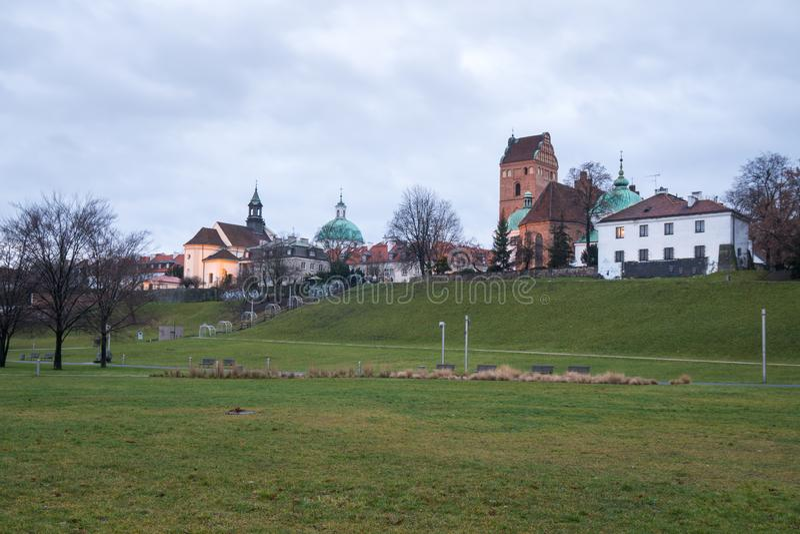 Igreja da Visitação da Virgem Mais Abençoada Maria, conhecida como Igreja de Santa Maria, vista do parque Multimedia Fountain fotos de stock