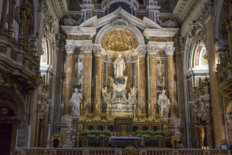 Igreja de Barroco do Gesu Nuovo, Nápoles, Itália imagem de stock