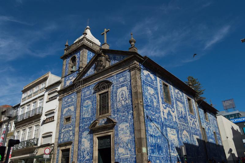 Igreja de Carmelitas em Porto foto de stock