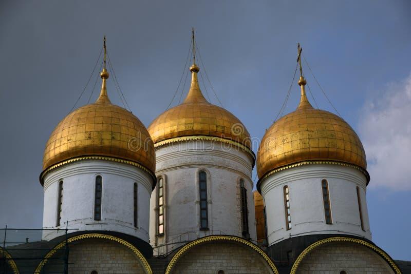 Igreja de Dormition do Kremlin de Moscou Local do património mundial do Unesco foto de stock royalty free