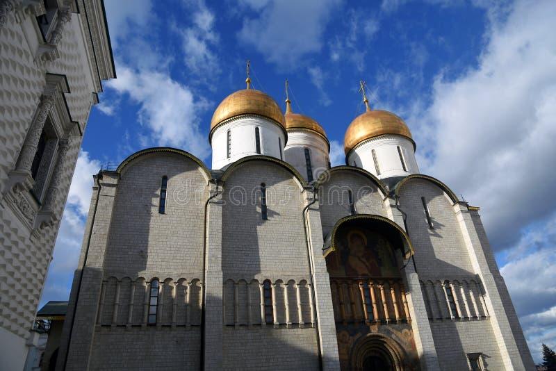 Igreja de Dormition do Kremlin de Moscou Local do patrim?nio mundial do Unesco foto de stock