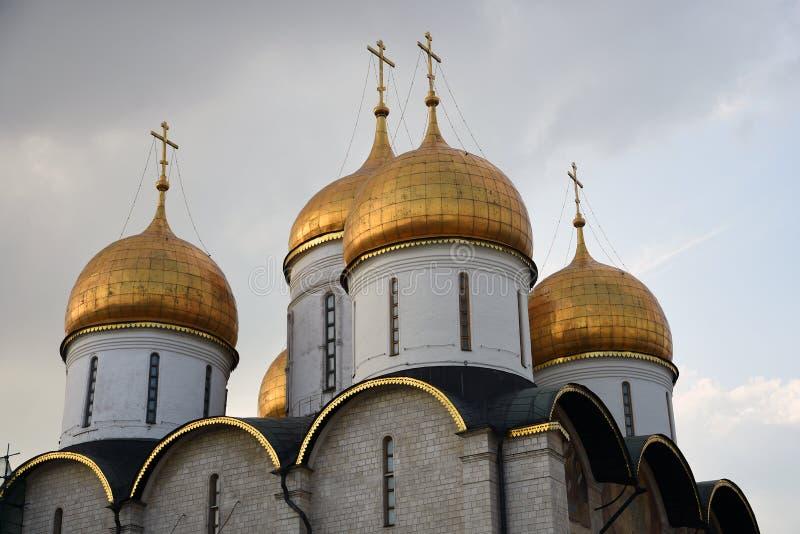 Igreja de Dormition do Kremlin de Moscou Local do patrim?nio mundial do Unesco fotos de stock