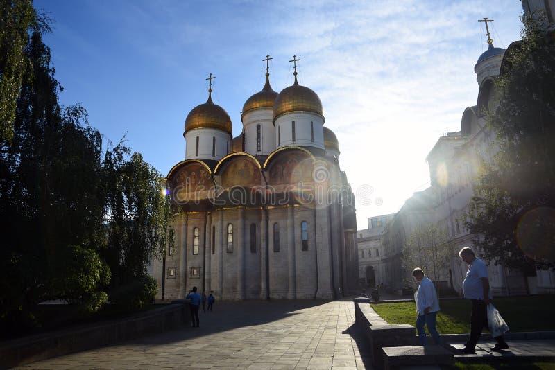 Igreja de Dormition Marco do Kremlin de Moscou Local do patrim?nio mundial do Unesco imagem de stock