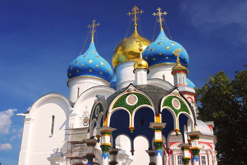Igreja de Dormition na trindade Sergius Lavra, Sergiev Posad, Rússia Mundo Herit do UNESCO imagem de stock royalty free