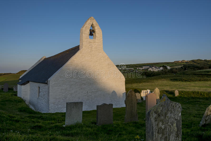 Igreja de Holly Cross Mwnt Cardigan Ceredigion Gales imagem de stock