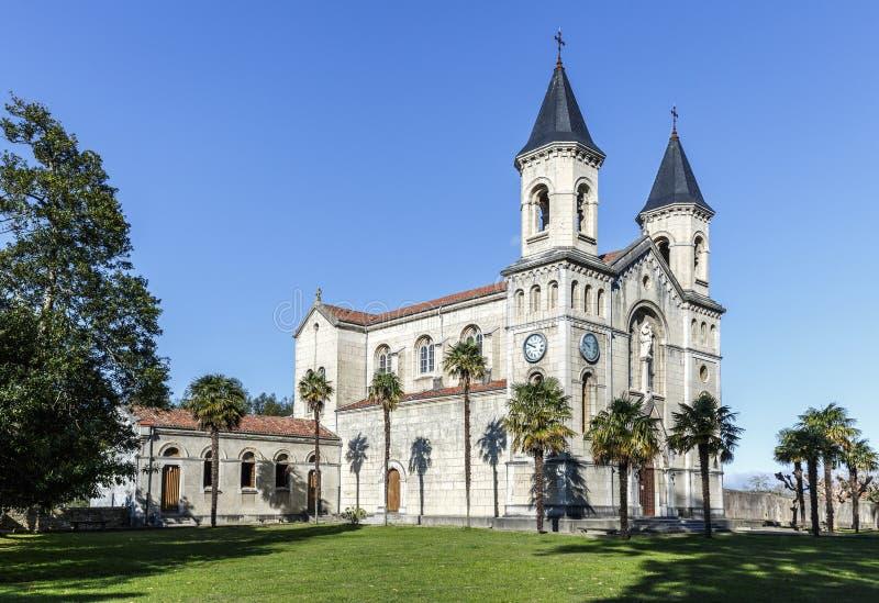 Igreja de Jesus o Nazarene Pineda em Cudillero fotos de stock royalty free