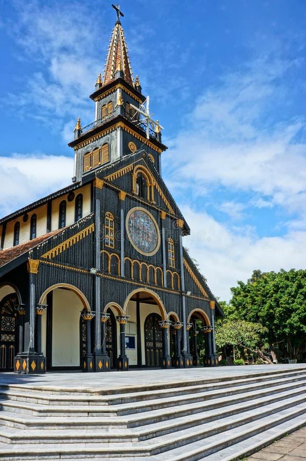Igreja de madeira de Kontum, catedral antiga, herança imagem de stock