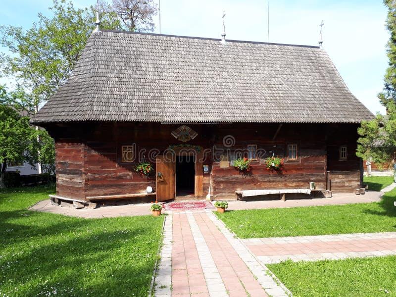 Igreja de madeira em Chernivstsi fotos de stock royalty free