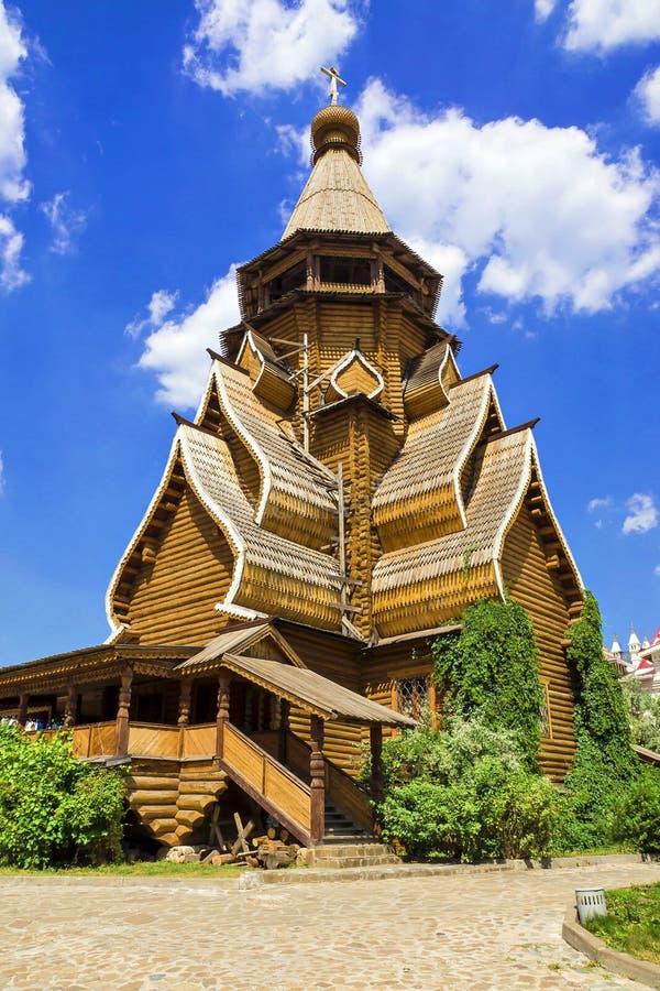 Igreja de madeira no Kremlin de Izmailovo, Moscou, Rússia imagens de stock royalty free