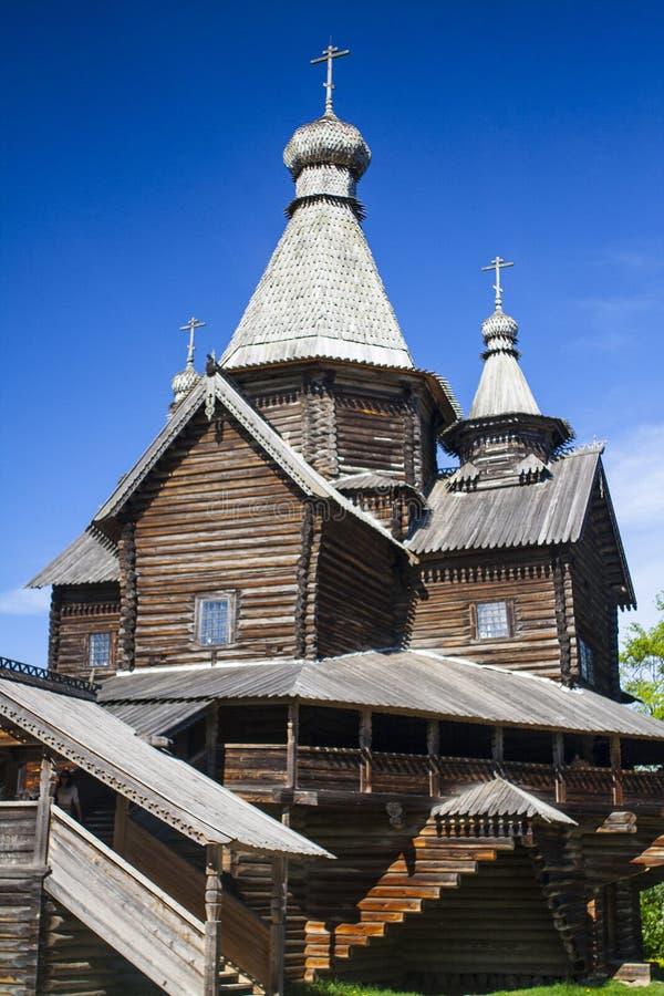 Igreja de madeira velha fotos de stock