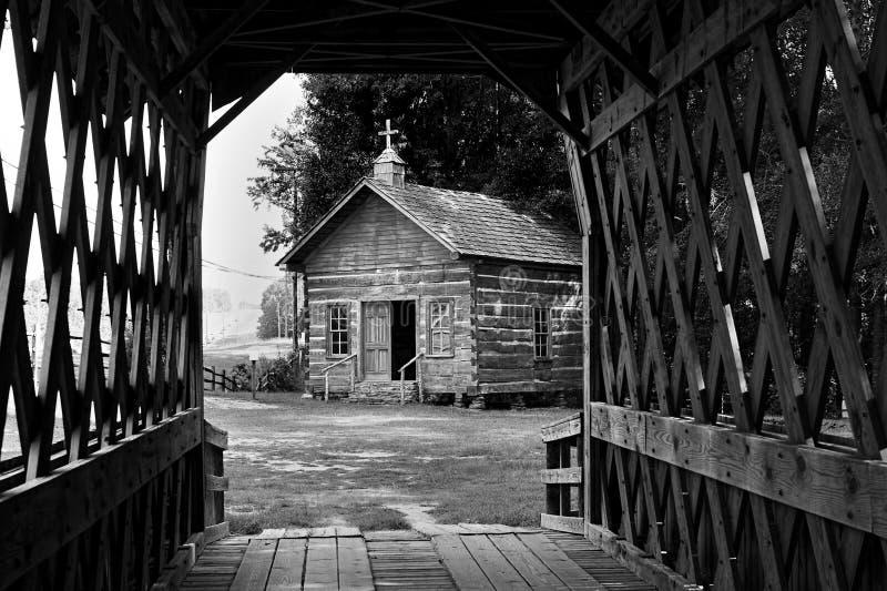 Igreja de madeira velha do log foto de stock royalty free
