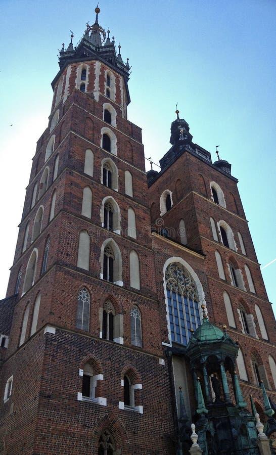 Igreja de nossa senhora Assumed no céu (ou na basílica de St Mary) em Krakow, Polônia imagens de stock royalty free