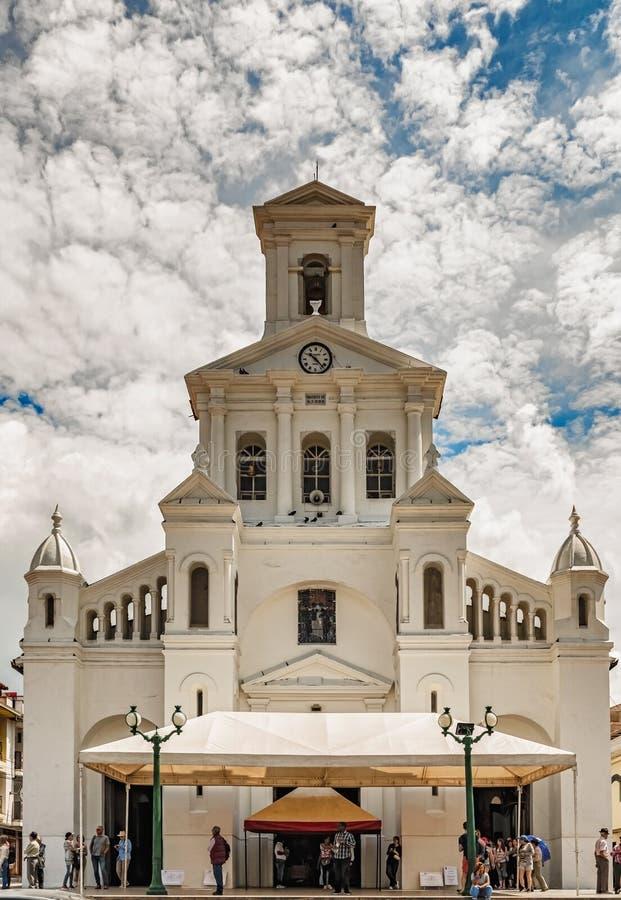 Igreja de nossa senhora da suposição em Marinilla, Colômbia fotografia de stock