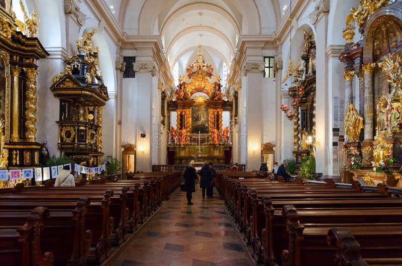 Igreja de nossa senhora da igreja triunfante de nossa senhora Victorious e St Anthony de Pádua, Praga, República Checa fotografia de stock