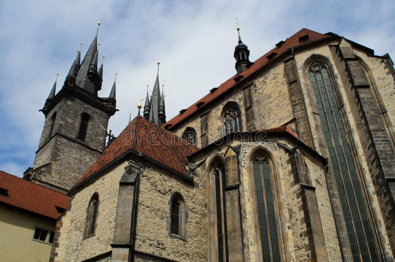 Download Igreja De Nossa Senhora Em Praga, República Checa Foto de Stock - Imagem de edifício, praga: 26506678