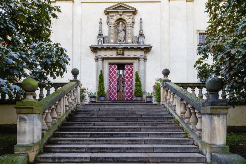 Igreja de nossa senhora Victorious em Mala Strana imagem de stock royalty free