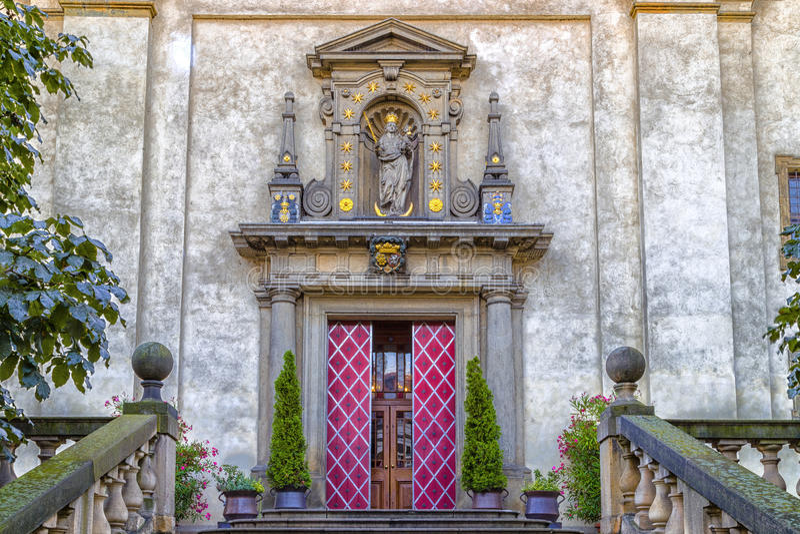 Igreja de nossa senhora Victorious em Mala Strana imagens de stock
