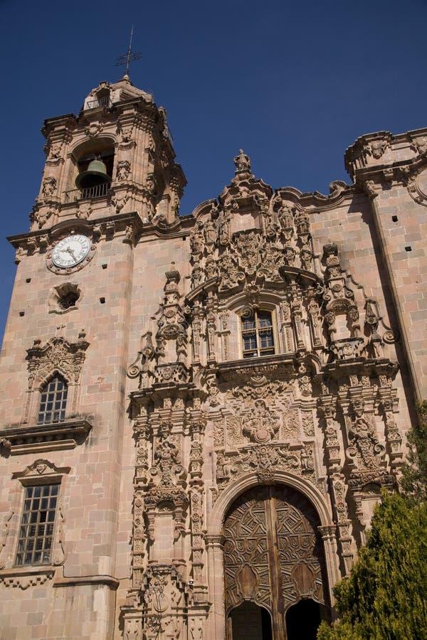 Igreja de pedra cor-de-rosa. foto de stock
