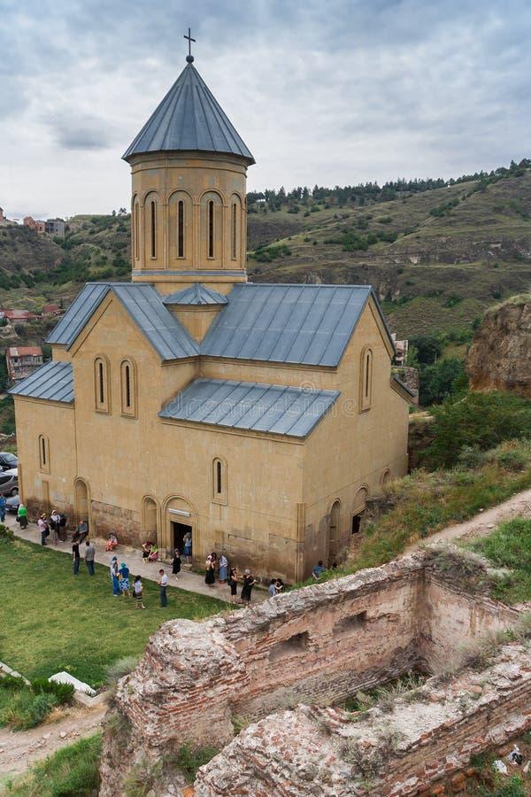Igreja de São Nicolau em um monte em Tbilisi foto de stock royalty free
