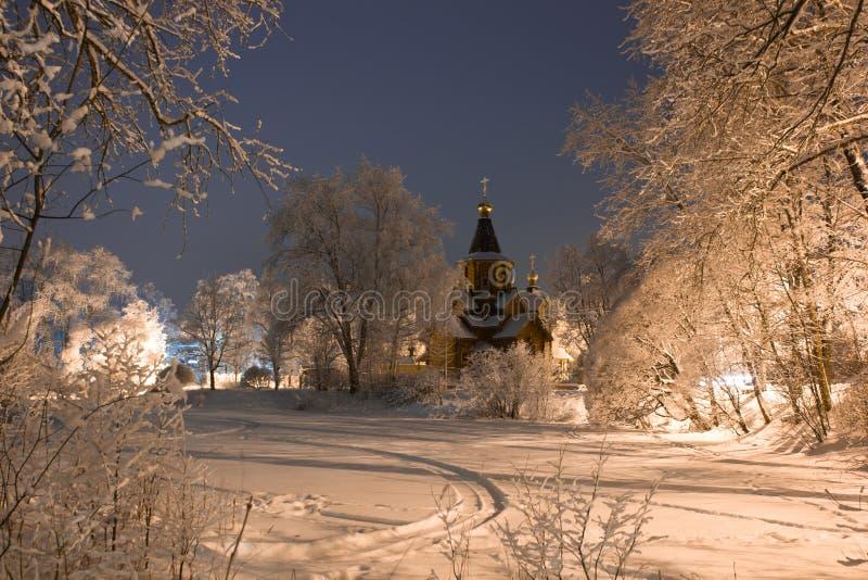 A igreja de São Nicolau na vila de Voeikovo, Rússia imagem de stock royalty free