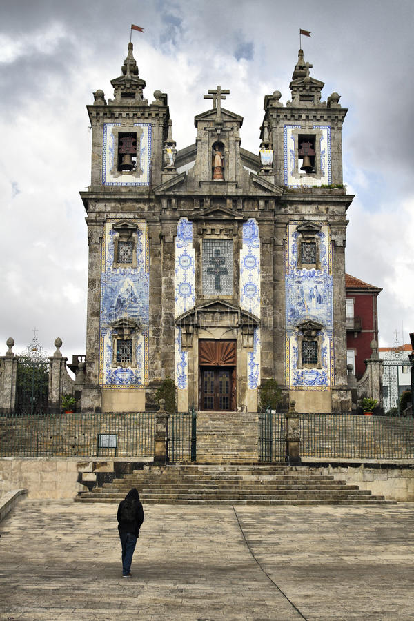 Igreja de Saint Ildefonso em Porto fotos de stock