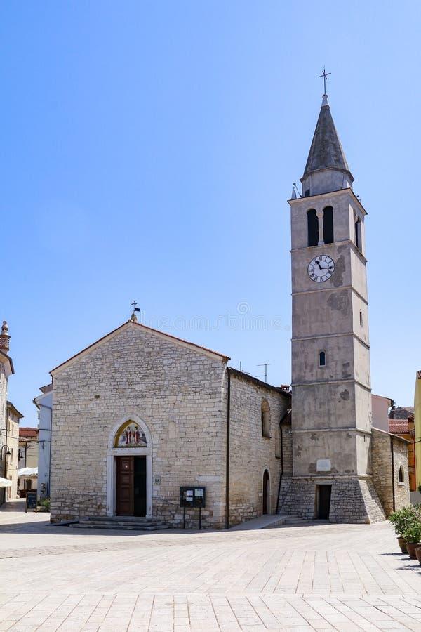 Igreja de SS Cosmas e Damian em Fazana, Croácia fotografia de stock