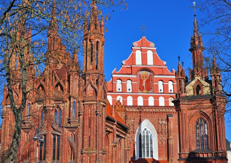 Igreja de St Anna e de Bernardinu, Vilnius, Lituânia fotografia de stock royalty free