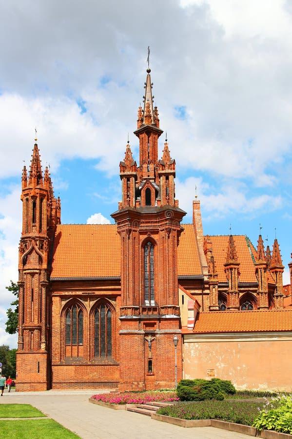 A igreja de St Anne, Vilnius, Lituânia imagens de stock