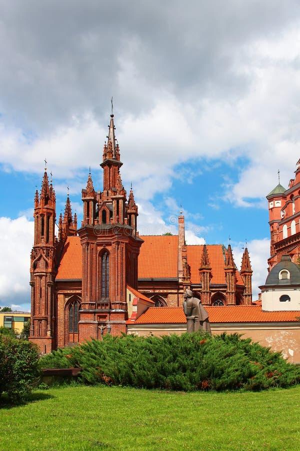 A igreja de St Anne, Vilnius, Lituânia fotos de stock