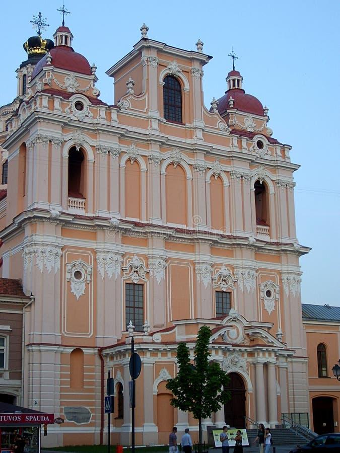 Igreja de St Casimiro na cidade de Vilnius imagens de stock