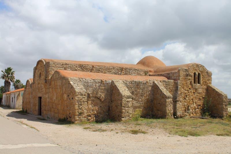 A igreja de St John de Sinis em San Giovanni di Sinis Sardinia Italy foto de stock royalty free
