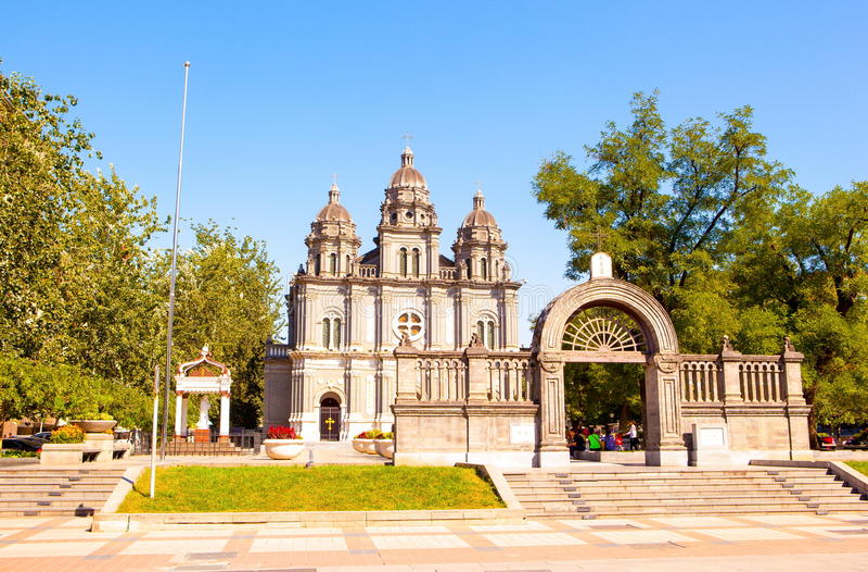Igreja de St Joseph s ou a igreja do leste na rua de Wangfujing imagens de stock royalty free