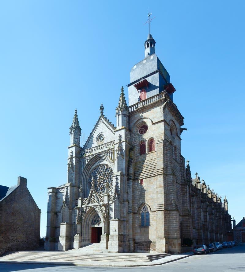 Igreja de St Leonard, Fougeres, França foto de stock royalty free