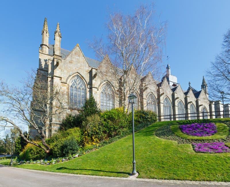 Igreja de St Leonard, Fougeres, França fotos de stock royalty free